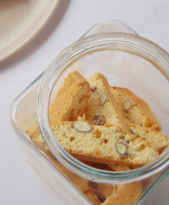 The Traditional italian Cantuccini With Almonds by Pasticcino Cantuccini tradicional Italiano con Almendras